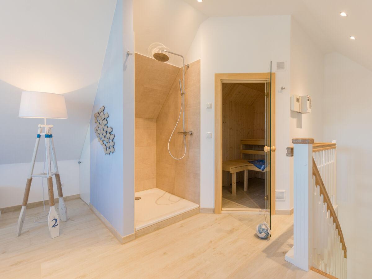 sauna-und-raindance-dusche
